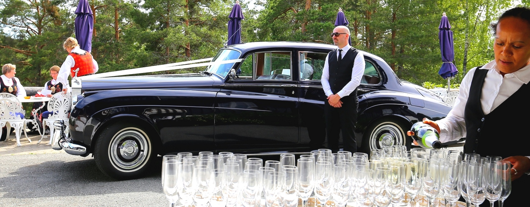 Vakker sekstitalls Rolls-Royce til leie i Bergen. Utleie alltid med stilfull sjåfør